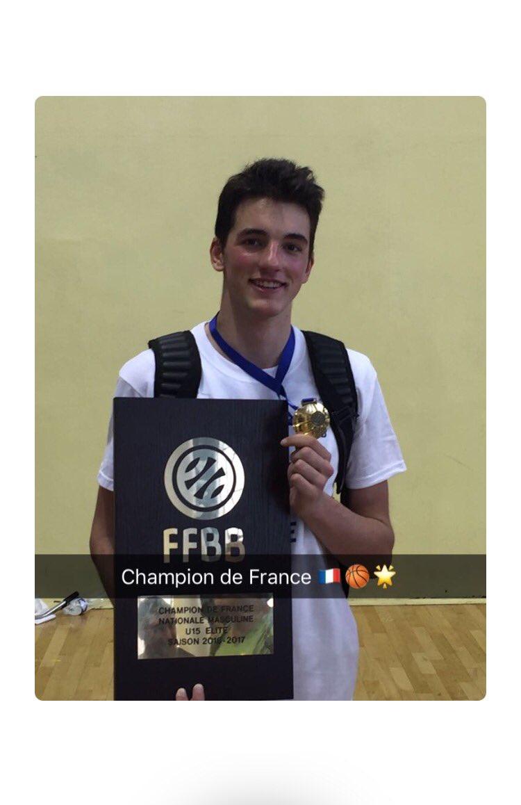 Mon champion  #championdefrance #basketball #Valentin<br>http://pic.twitter.com/1Xkk27lVO9