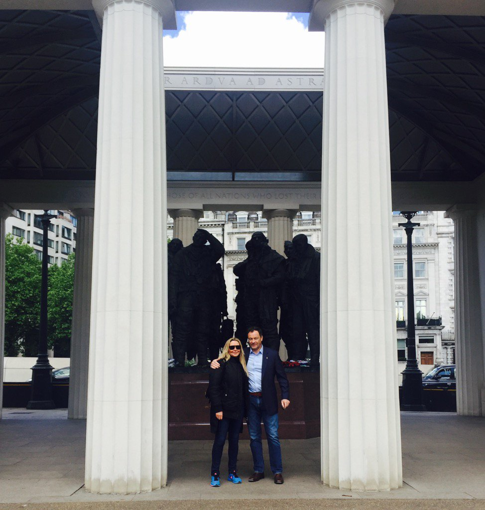 Lovely wkend walking London with my mate @CommanderMLA.... My favourite place Bomber Command Memorial @RAFBBMF x https://t.co/6HWizKjj51
