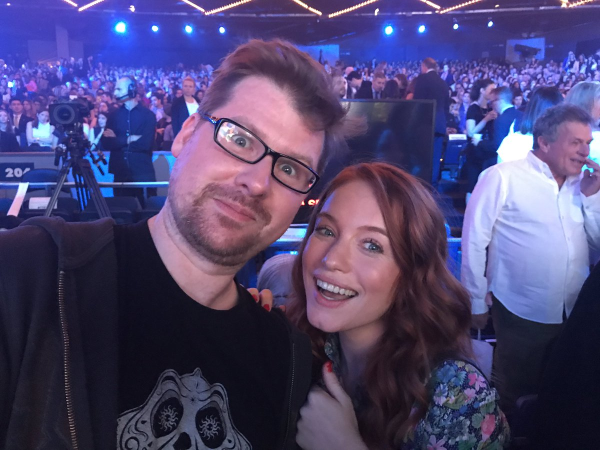 I'm hanging out with @mariathayer are you FUCKING JEALOUS?!