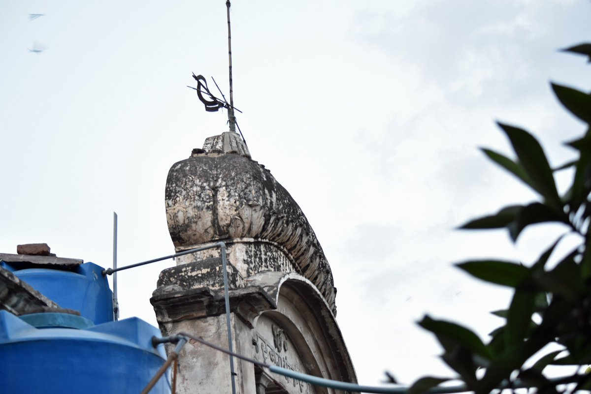 test Twitter Media - 70 years after partition - The Khanda is still here at the top of this abandoned Gurdwara Baradari in #Rawalpindi #Sikhs https://t.co/ylV5nnHTL7