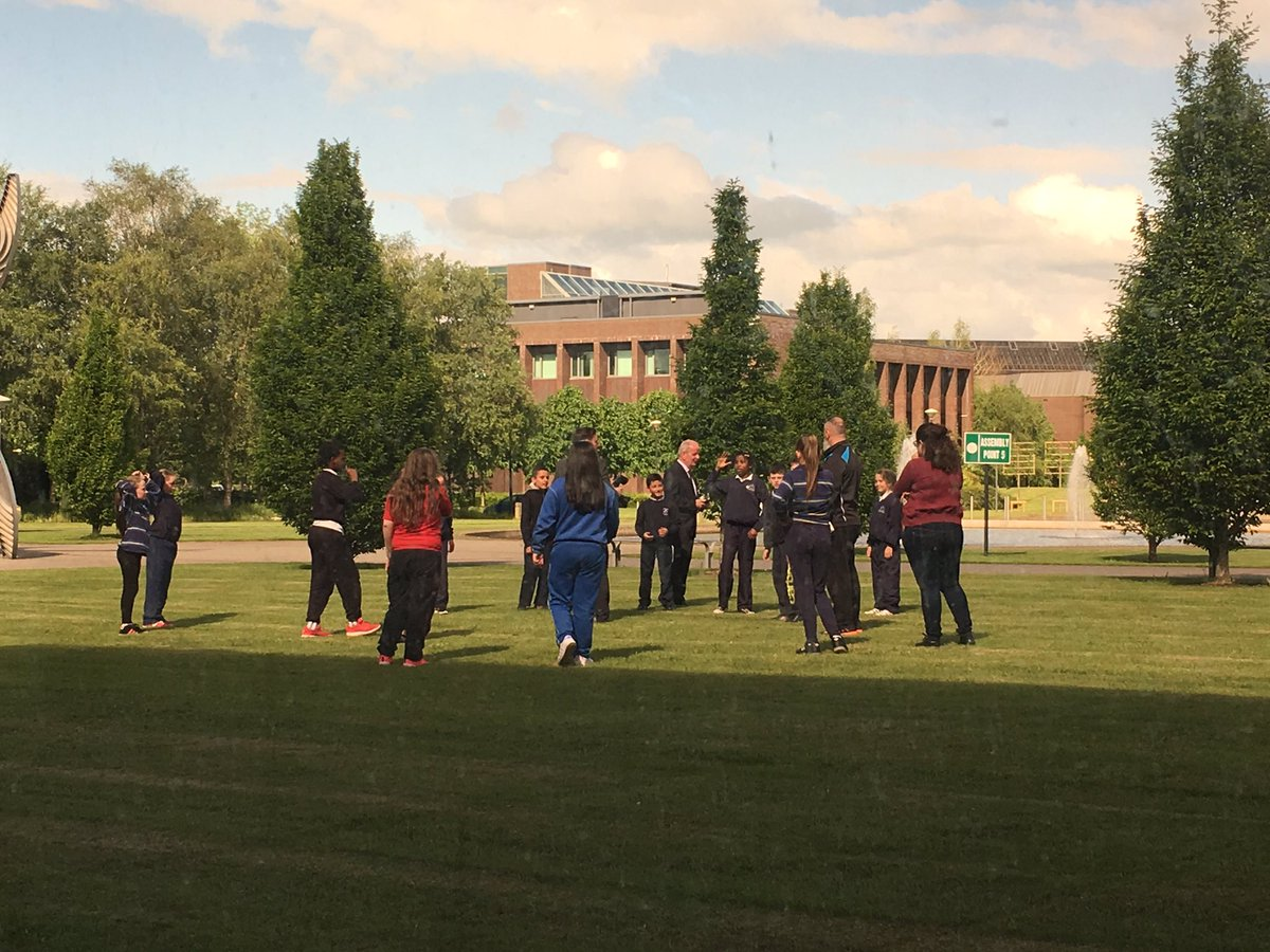 Nice to see @ULPresident exercising with the kids today @UL ! #futurestudents #ThinkBigatUL <br>http://pic.twitter.com/asYlOZfIXD