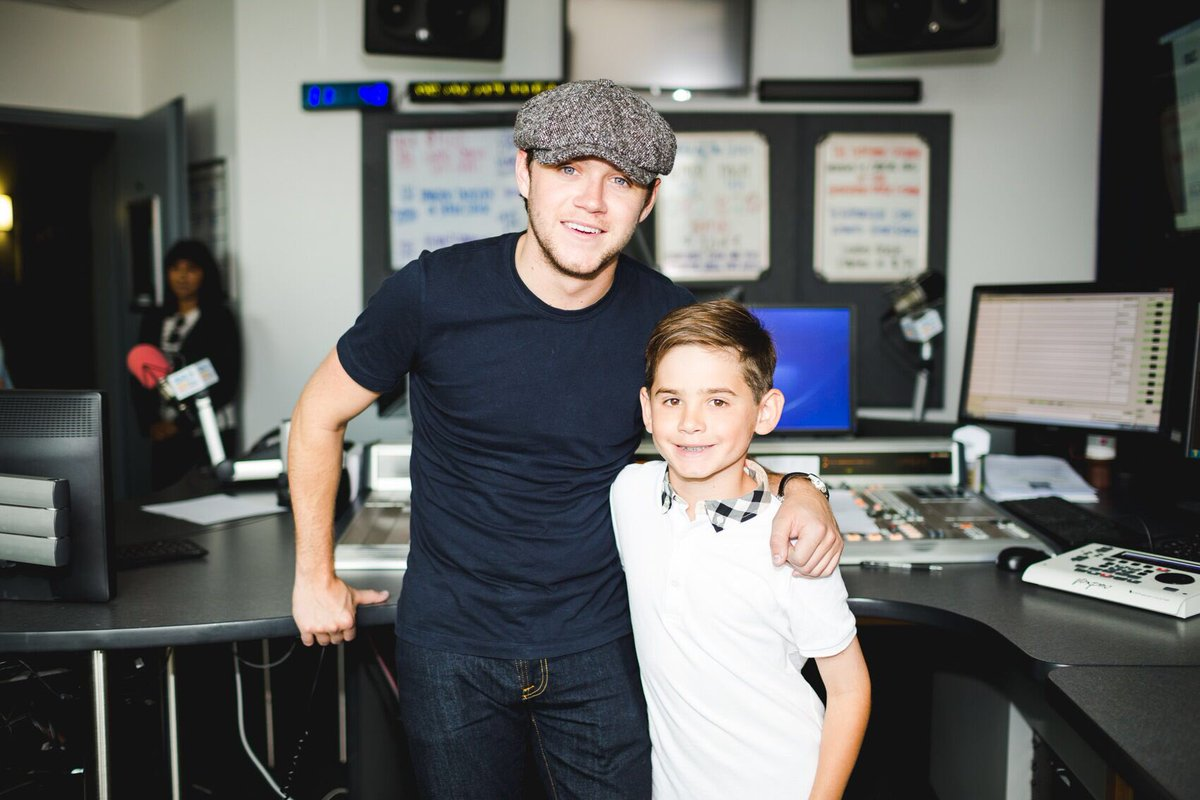 .@NiallOfficial and my son Colin ! #Directioners #ValentineInTheMorning https://t.co/vgNLrICmnH