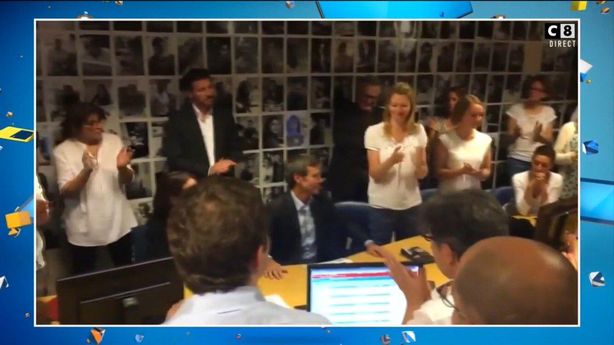 Standing ovation pour David Pujadas. #TPMP <br>http://pic.twitter.com/6TIkmT4NWz