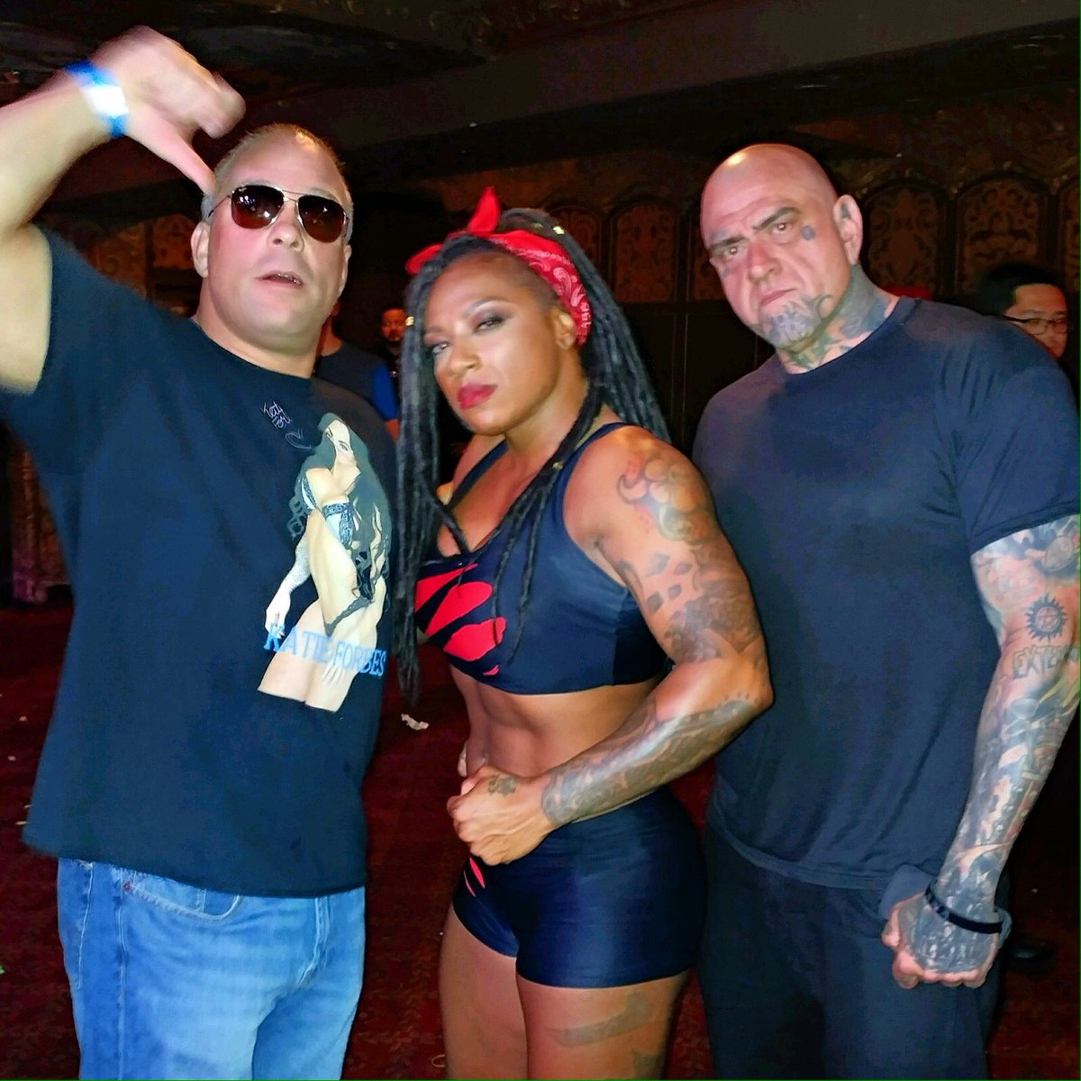 Got to meet Rob Van Dam at @wowsuperheroes with the BEAST #WOWSuperheroes #WomensWrestling #WWE #Wwf #wrestling #WrestleMania # <br>http://pic.twitter.com/7KumXL5OR0