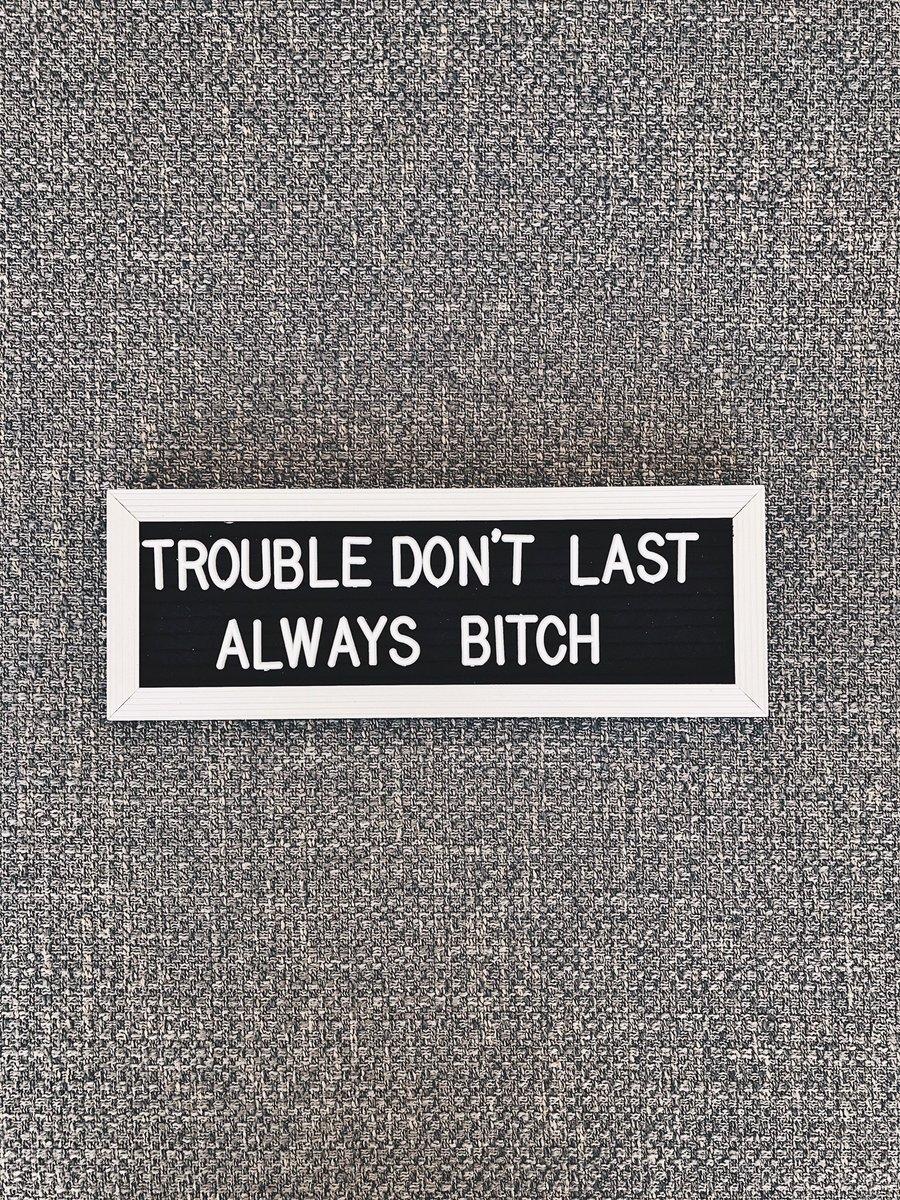 currently at my desk. shoutout to @Jstlivinbbyy
