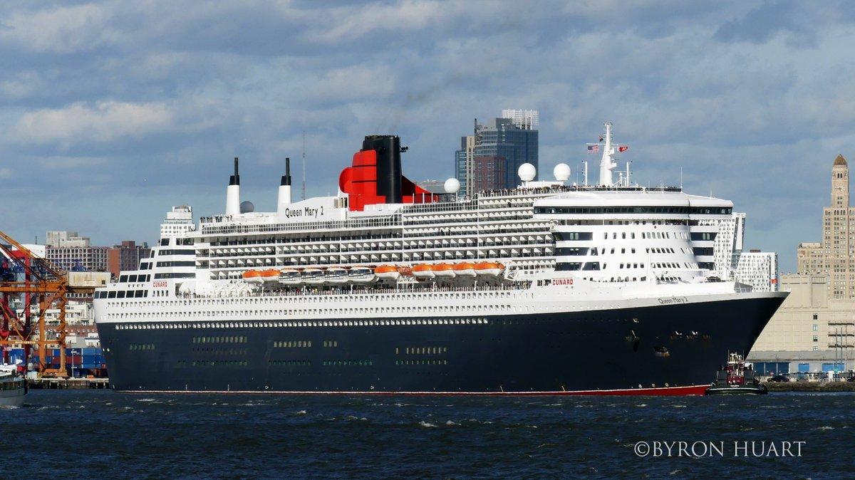 @cunardline #QueenMary2 #departs on her 1st #crossing from #NewYork. Notice how she #dwarfs the #StatenIslandferry.<br>http://pic.twitter.com/rT9gkvUcUU