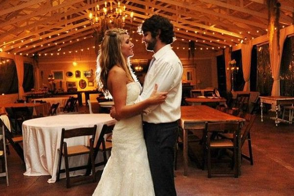 Whiskey Riff On Twitter 12 Country Wedding Songs Guaranteed To