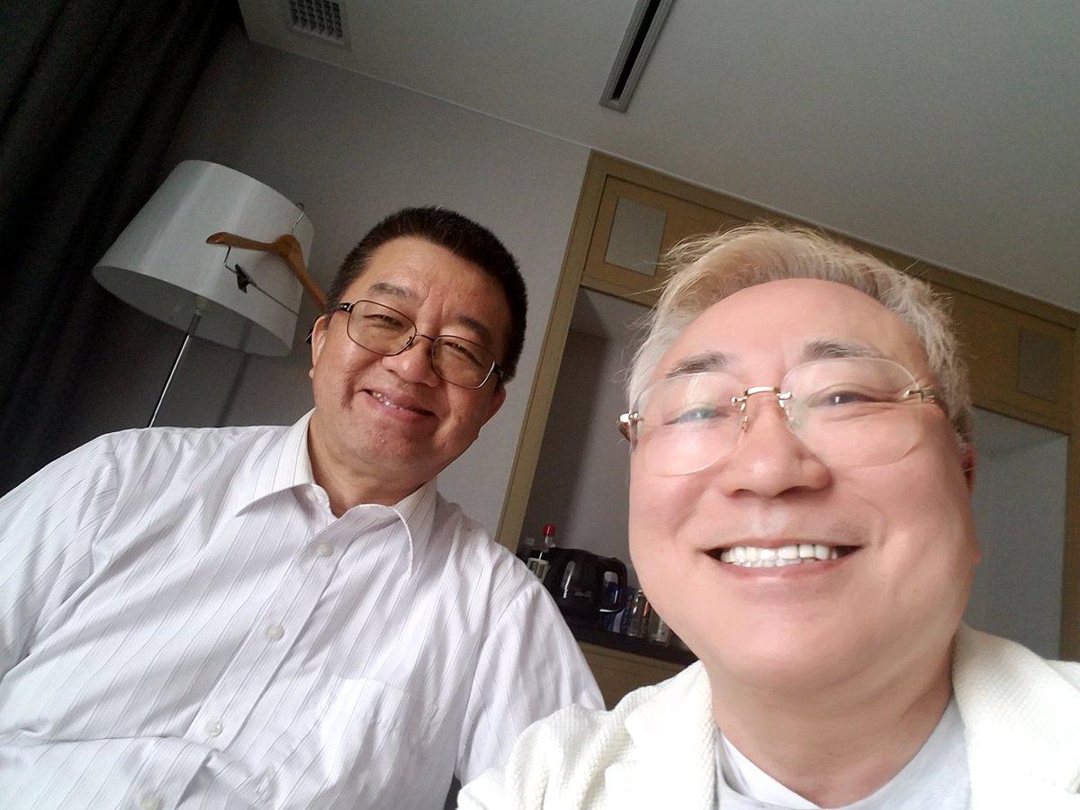 ホテルニューオータニに顧問弁護士の伊藤先生に来てもらって作戦会議終了。 明日の朝、民進党大西健介議員と連坊代表を提訴するぞなう。