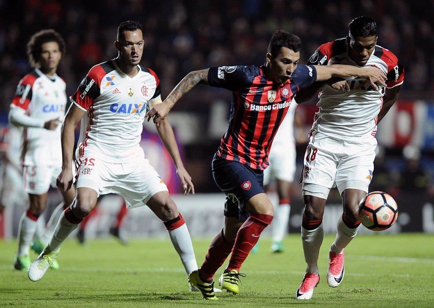 #ConmebolLibertadoresBridgestone @SanLorenzo superó a @Flamengo por 2 a 1 y clasificó  a la siguiente ronda 👉 http://goo.gl/W9B30Y
