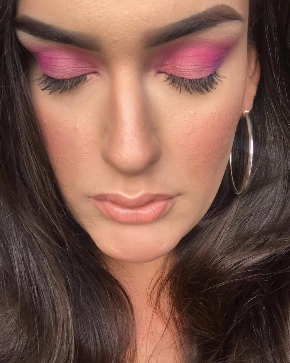 my sister did my #makeup yesterday! I am so proud of her #follow her  http:// instagram.com/neenuhmua  &nbsp;   currently obsessing over #britney the albulm! <br>http://pic.twitter.com/YrYnLYYSrO