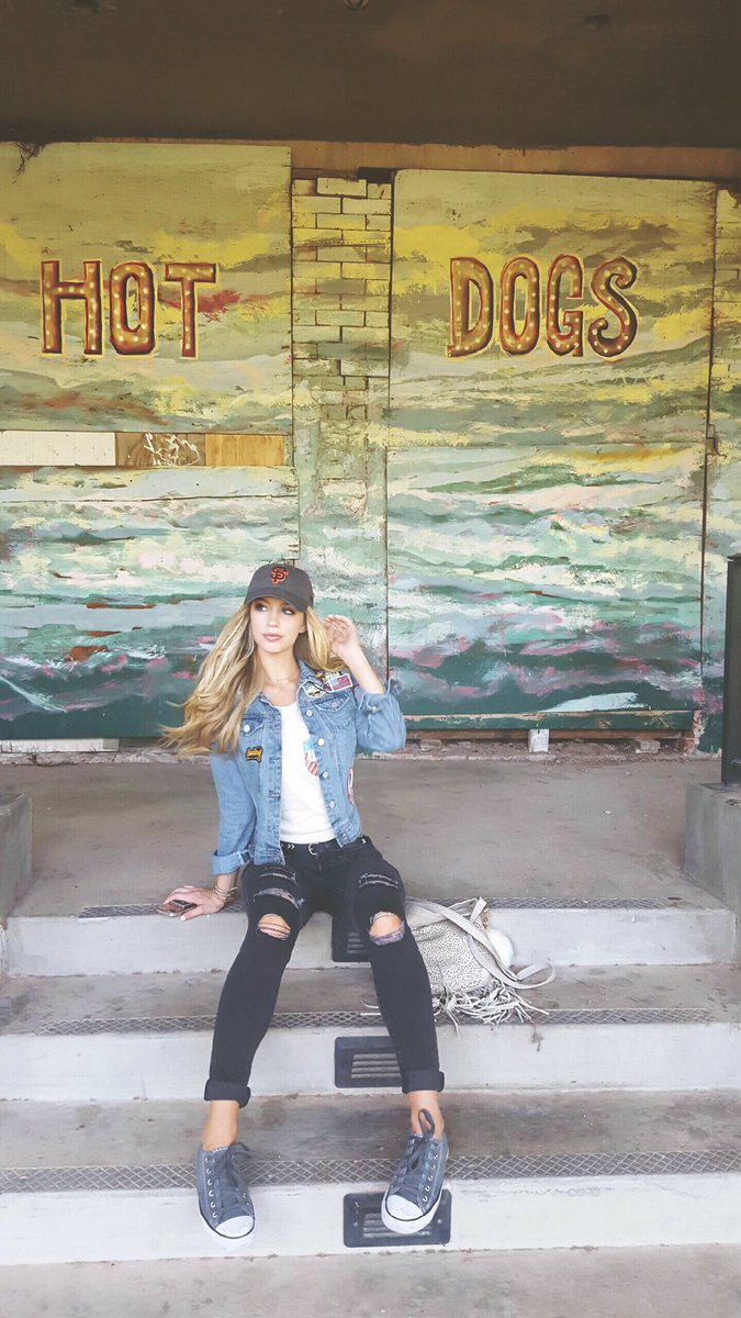 """Allie Deberry Hot allie deberry beede on twitter: """"checking out okc & waiting"""