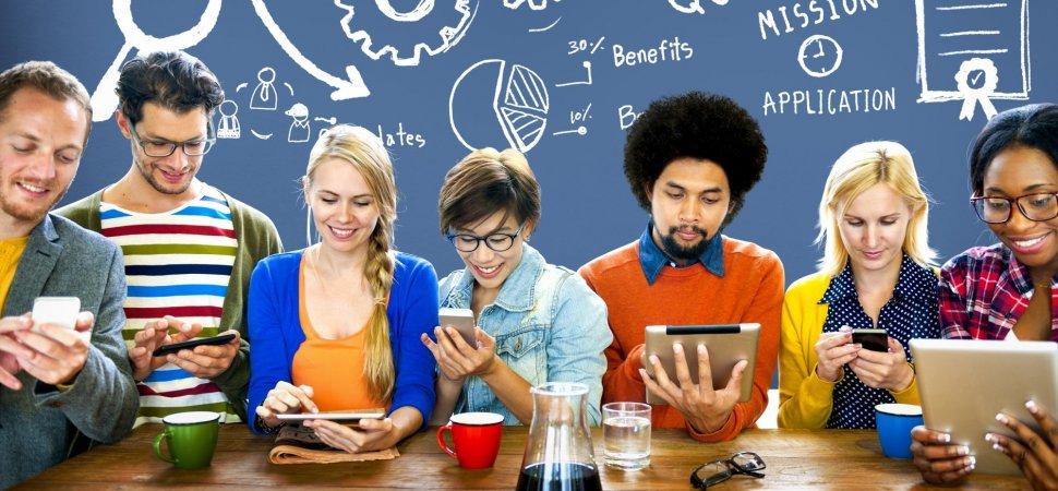 5 Ways to Attract Young Talented Graduates  http:// crwd.fr/2qu3eR0  &nbsp;   #Talent #jeunesdiplômés #recrutement #startup<br>http://pic.twitter.com/lK3MvaQsvY