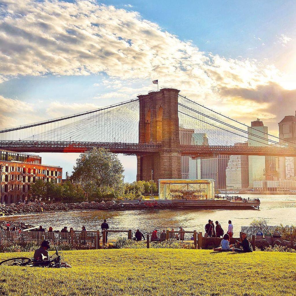 Brooklyn Bridge by @gigi_nyc #newyork #nyc<br>http://pic.twitter.com/iL7Q6O4e0z