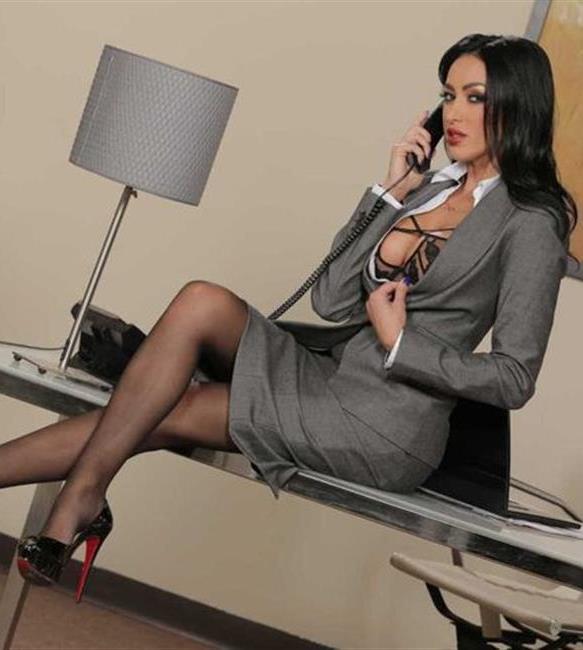 Три дыры нелегкие будни секретарши фистинг