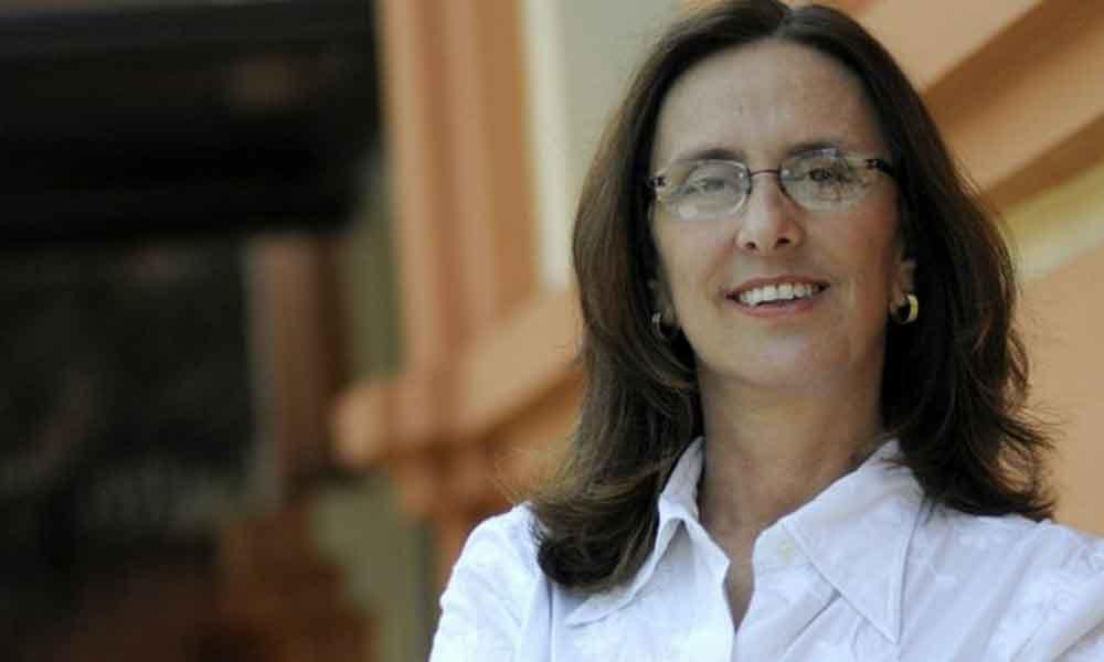 Andrea Neves tinha comprado passagem para Londres hoje à noite; irmã de senador foi presa em BH https://t.co/3DQjChGzHM