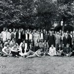#TBT Photo de la promo @ISEP 1975 ! Vous reconnaissez des gens ? 🙂