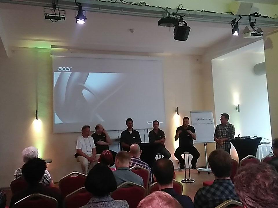 The #network event finishes with a panel discussion to answer common questions on setting up an #aquaponics system<br>http://pic.twitter.com/PBb5N1s77A