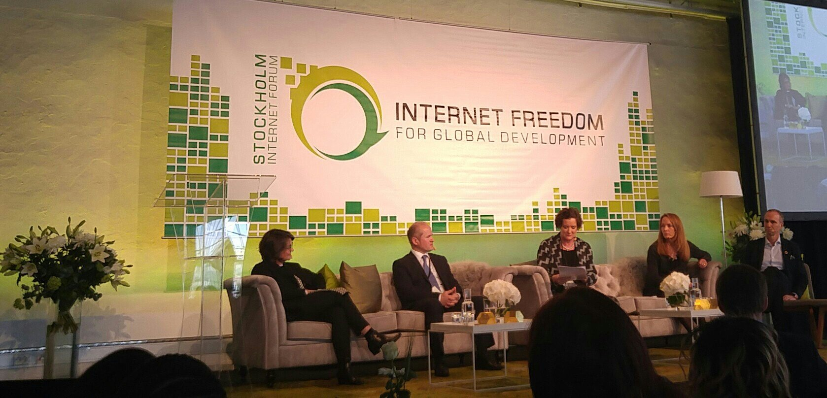 Main Session 2: A positive outlook, leave no one offline #SIF17 #leaveno1offline https://t.co/wEfPHy9iy5