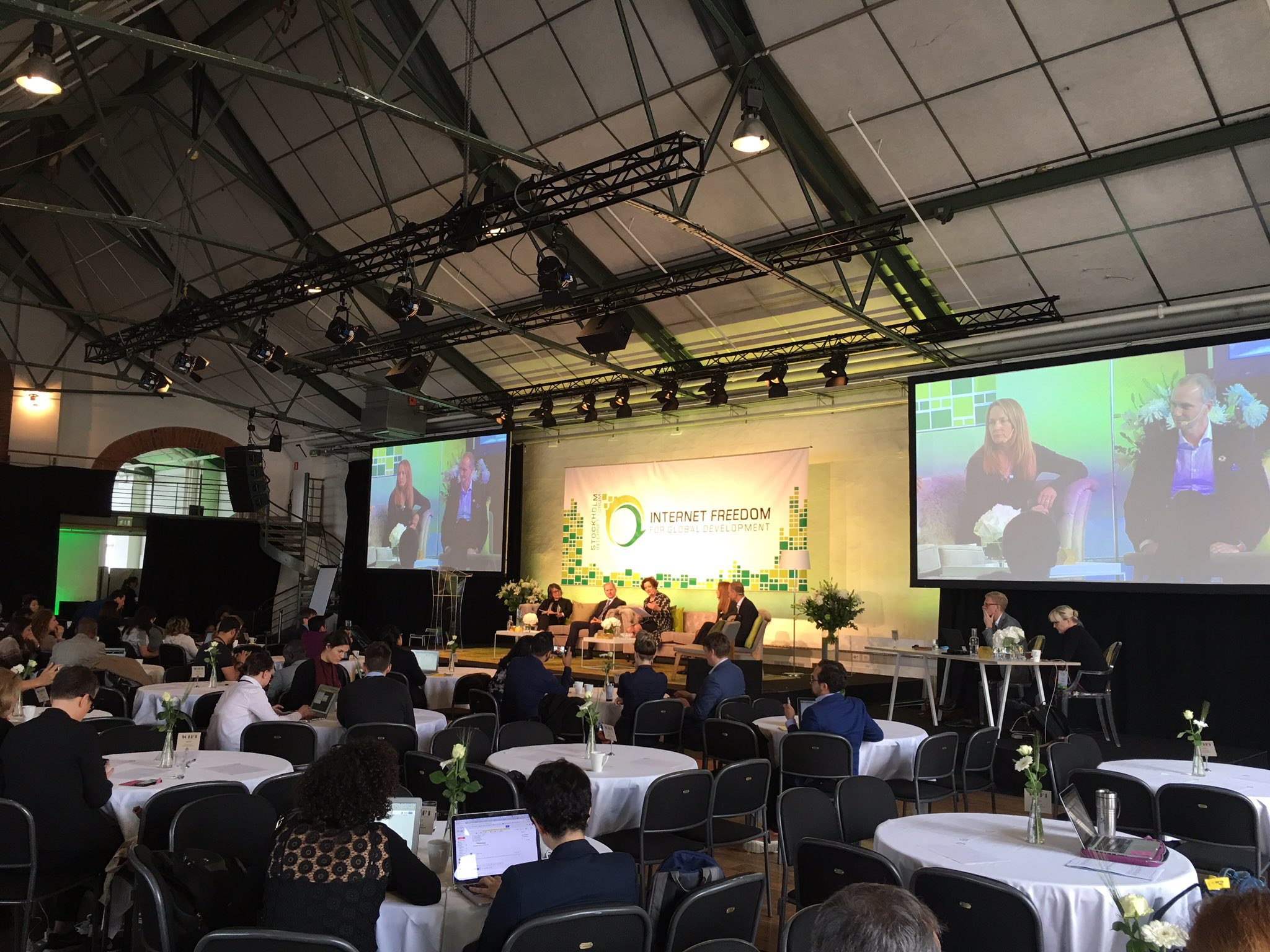 Keynote and main session #SIF17 A positive outlook: #leaveno1offline https://t.co/efYDbT4Hx9