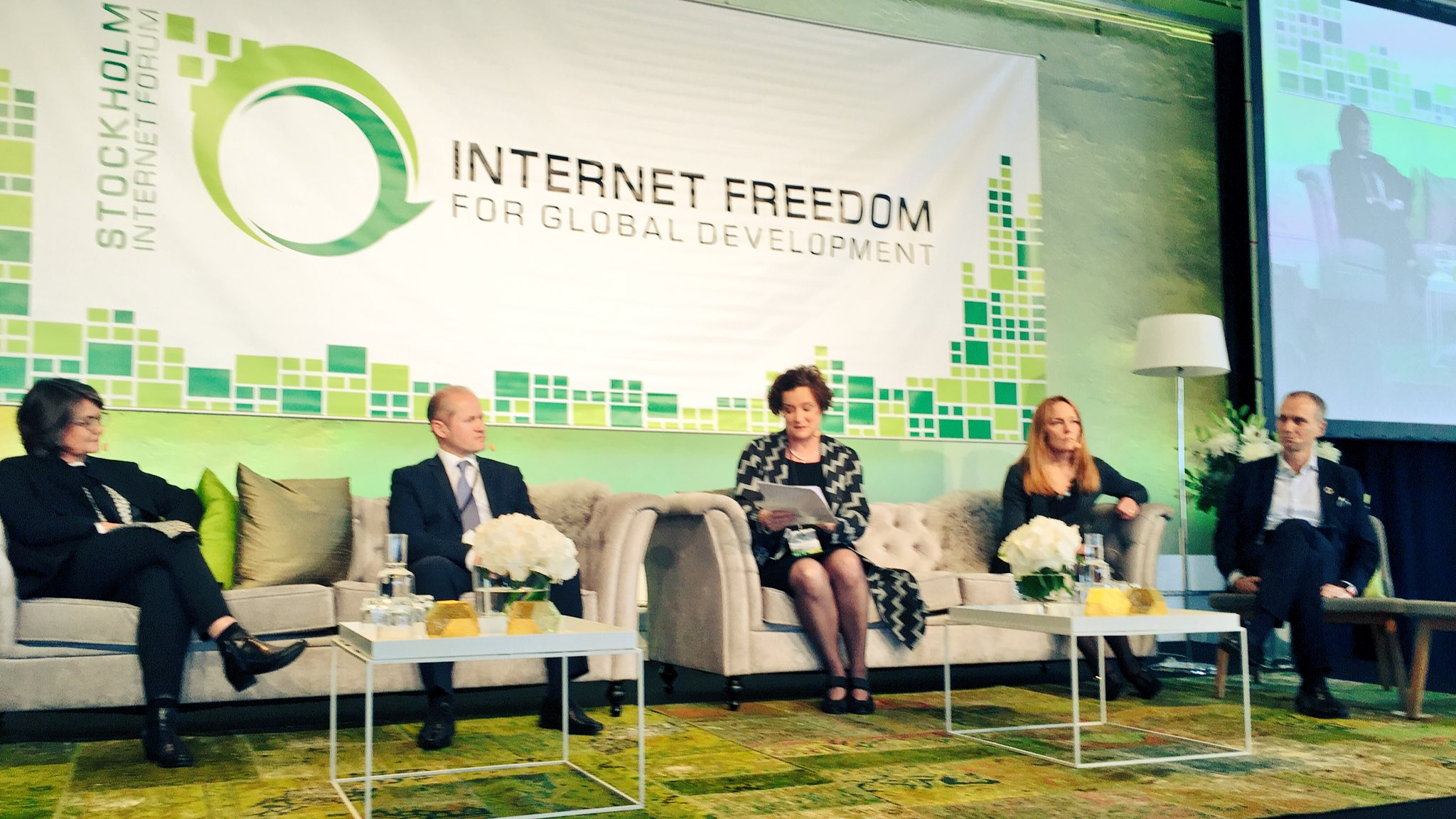 Main session #leaveningNo1offline #SIF17 @fxinternet https://t.co/ZaxwZ5fu9w