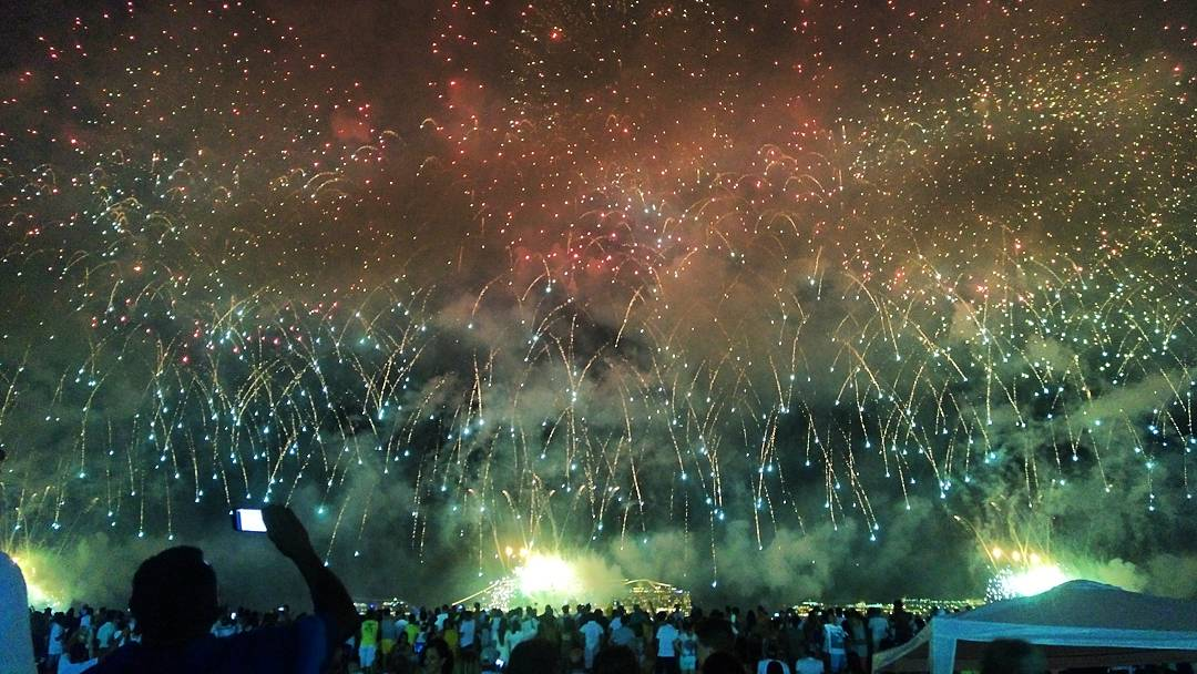 Looking back -December 31st 2016... At the end, a mist carrying  the smell of powder enveloped us all. #Reveillon #RiodeJaneiro  #fireworks<br>http://pic.twitter.com/rYes74XdNY