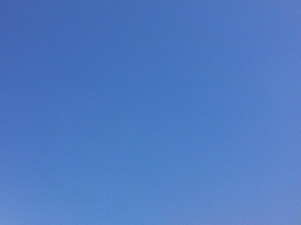 @herbergsmuetter @Kunsthalle_Ka Klar! Sonne & blauer Himmel für #wirziehnfallera #imt17 https://t.co/uqTLlSJt8E
