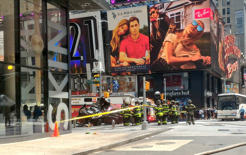 At the scene at times Square https://t.co/IXmWuAEfPW