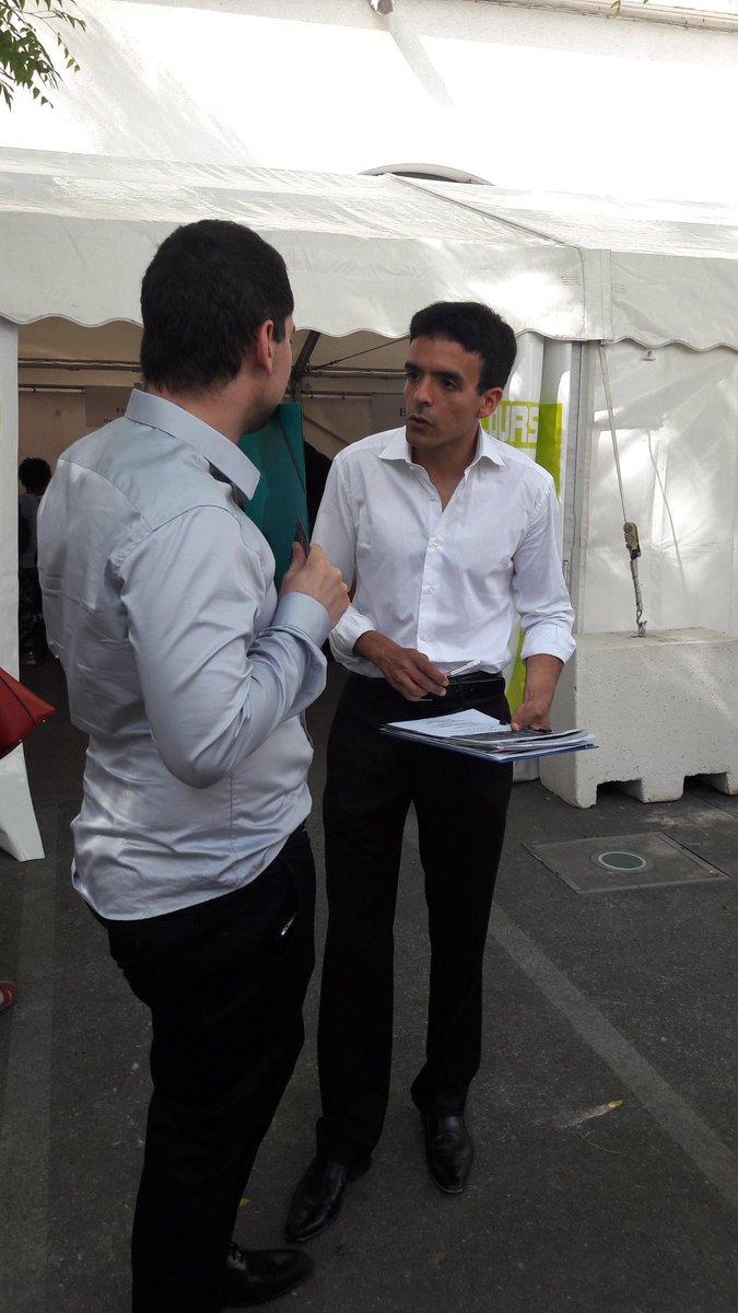 On tracte, on informe #legislatives2017 #Lyon #villeurbanne #UPR<br>http://pic.twitter.com/MBbtZ2h7s1