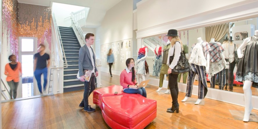Will you be in #Savannah for #SCADFASHWKND? Register for a spot on this tour to see #SCAD's #fashion dept. & more! https://t.co/T6dhNavgLr https://t.co/8MGEm0Ub3Q