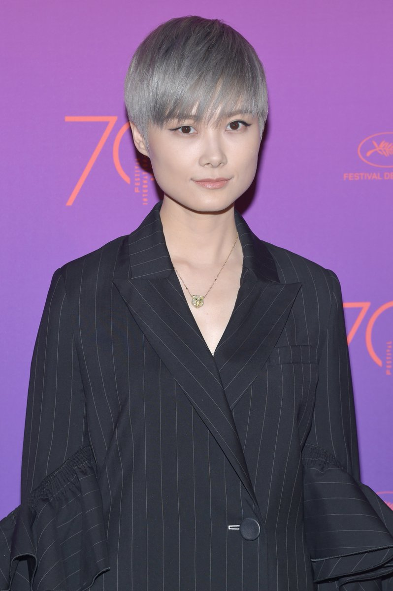 @LiYuchun_Studio wore a unique @ELLERY_LAND suit to the #Cannes2017 opening gala dinner https://t.co/4L8PMkN9C0