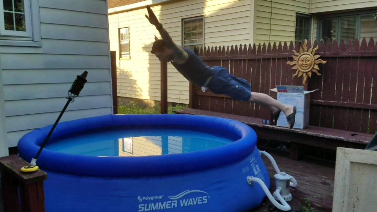 Don&#39;t try THIS at Home.... but DO find some way, to Beat The Heat!? #BellyFlop #WakeUpWith10 @WTEN<br>http://pic.twitter.com/1DWsiOMoWZ
