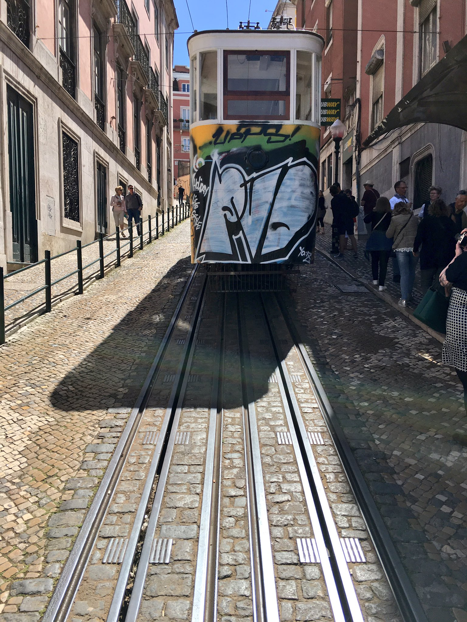 Don't have room for two parallel funicular tracks with cable? Overlap them. https://t.co/lO5WVTMqo4