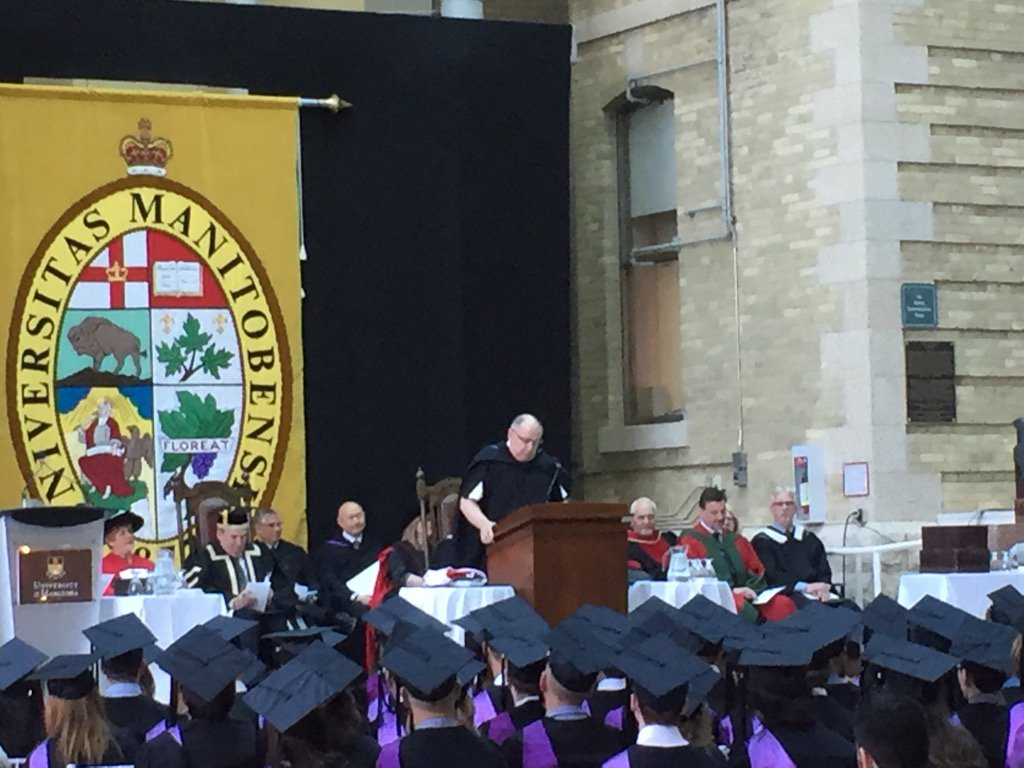 Dean Brian Postl: after 4 years, you're well prepared to be Drs & you can thank your tchrs, patients #umanitoba2017 https://t.co/H3MZVnMQ2J