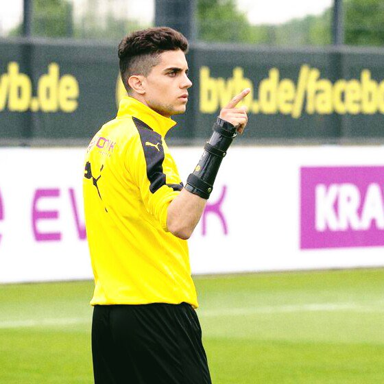 Marc #Bartra, Roman #Bürki, Gonzalo #Castro and Raphaël #Guerreiro in training session on 18 May  Getting on great together  (via @RNBVB)<br>http://pic.twitter.com/Cdx9Q6F60s