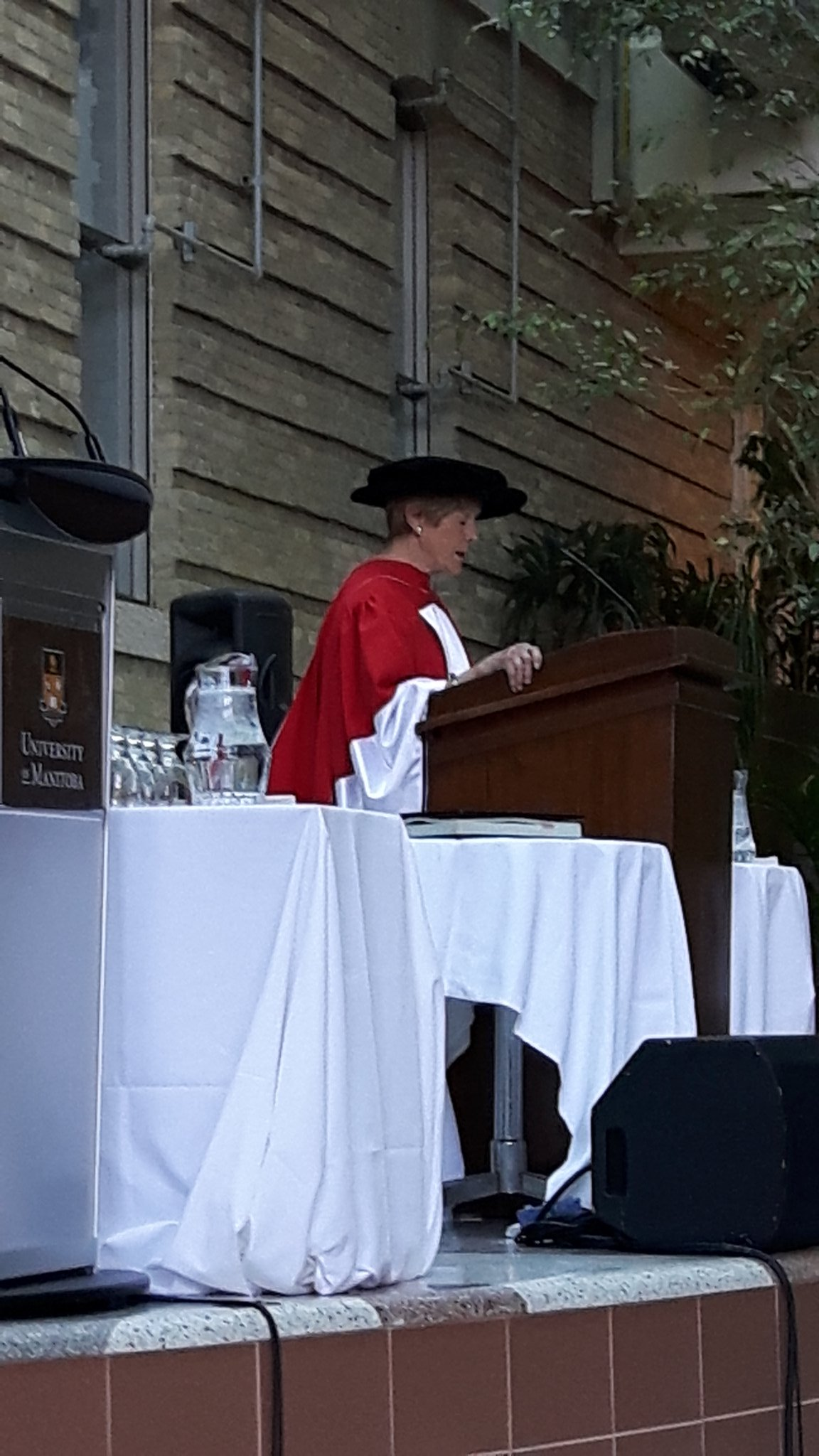 A great privilege to hear from Her Excellency Sharon Johnston at the @UM_RadyFHS convocation today. @umanitoba #umanitoba2017 https://t.co/rVCz2rEHsT