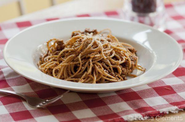 Basil Garlic Spaghetti Sauce — Living Lou