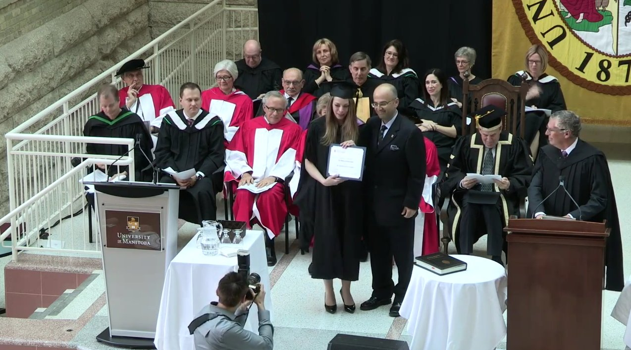 Congratulations to all the Medicine students receiving awards today at Convocation. #umanitoba2017 https://t.co/tFYfNFzo7o