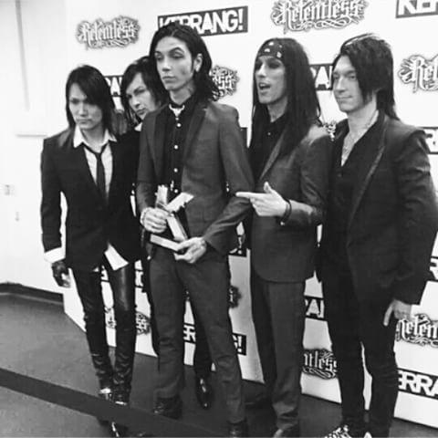 Pic of the Day #bvb #awards #best fans<br>http://pic.twitter.com/bJDZQBc0mZ