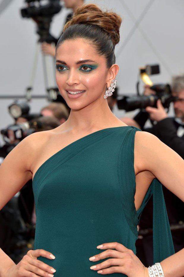 So far, Deepika Padukone is our favourite from #Cannes2017 today in Brandon Maxwell https://t.co/17nLoJDYSw  #DeepikaAtCannes
