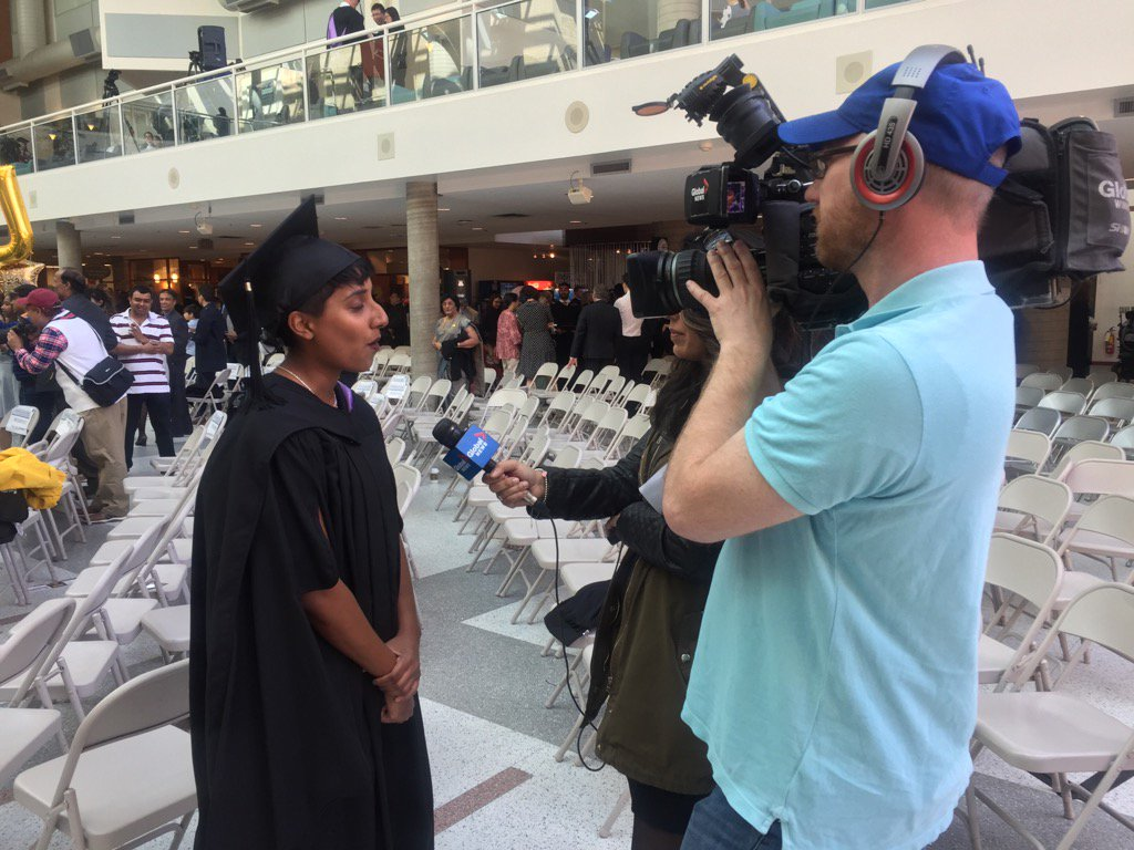 Valedictorian Tharuna Abbu being interviewed by @globalwinnipeg abt time at UM & future as family dr! #umanitoba2017 https://t.co/l03KQsgo5t
