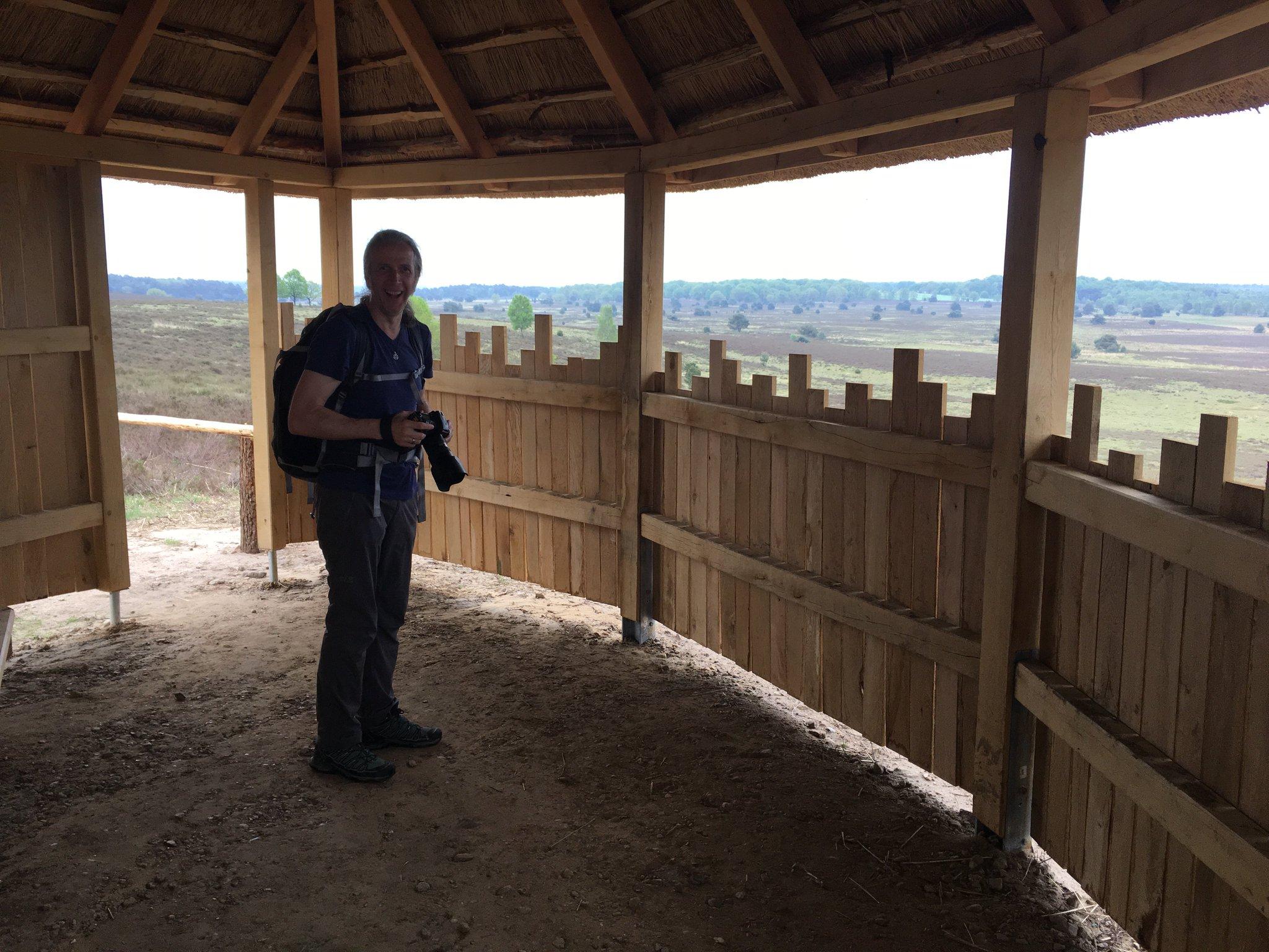 Schutzhütte mit weitem Ausblick #meurers #heidebloggerevent #meinbispingen https://t.co/TRjhezTsMZ