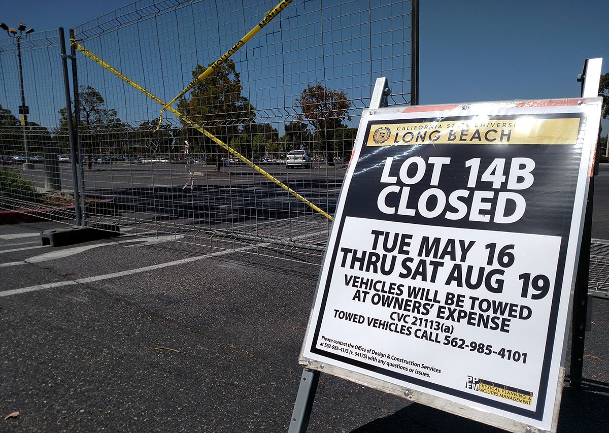 URGENT! Lot 14 A & B are closed for Solar Canopy summer construction. Please move your vehicle from all fenced/restr. areas to avoid towing. https://t.co/WhWLUxAtS0