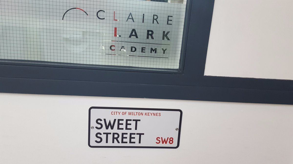 We&#39;ve arrived at the grand launch of @CClarkAcademy - looks fantastic @Claire_Clark @MKCollege #Patisserie <br>http://pic.twitter.com/afFbISjxyv