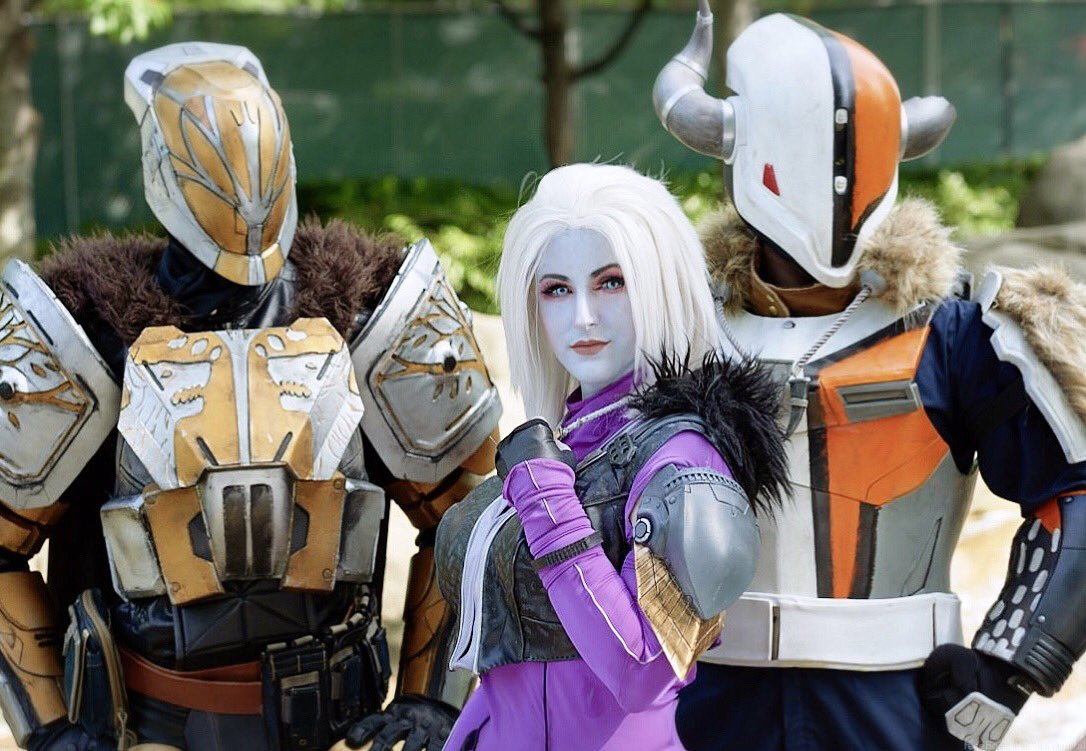 Destiny 2 got me all excited. Have a picture of us and @ImpactProps. NPC party! #destiny #destiny2 #bungie #cosplay<br>http://pic.twitter.com/rODOVIUJ0D