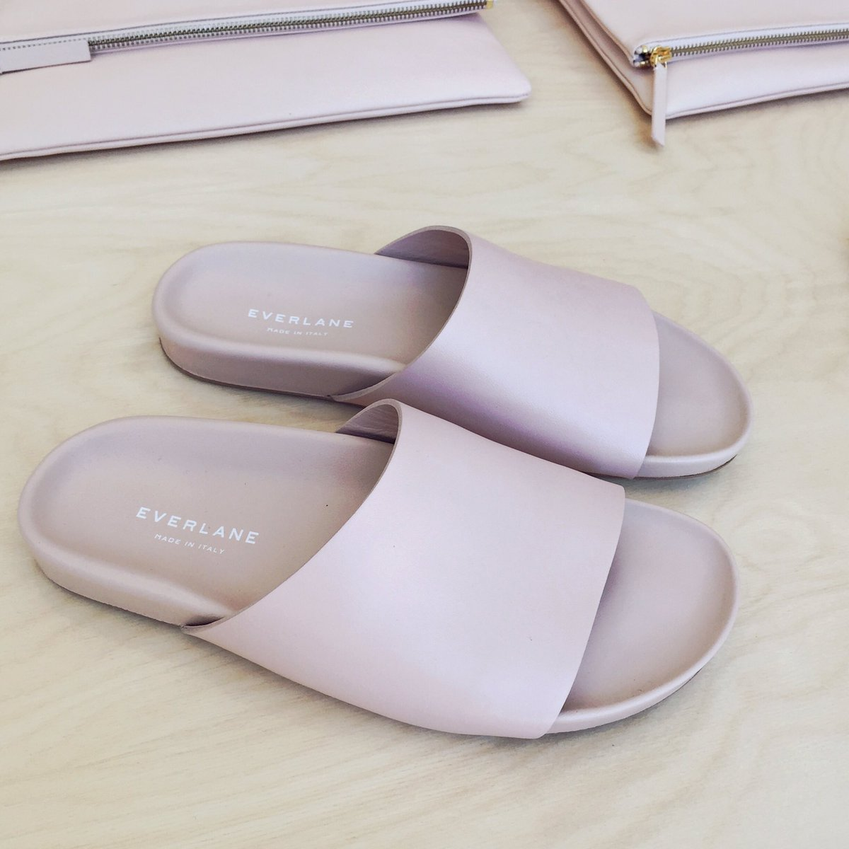 cc8f4a7146eb RT for the Form Slide Sandal. Like for the Form Crossover Sandal .pic.twitter.com IFP3df3l50