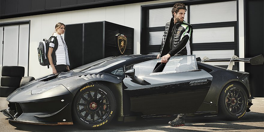 Let\'s celebrate the Huracán GT3 success\' with the Squadra Corse 2017 collection >