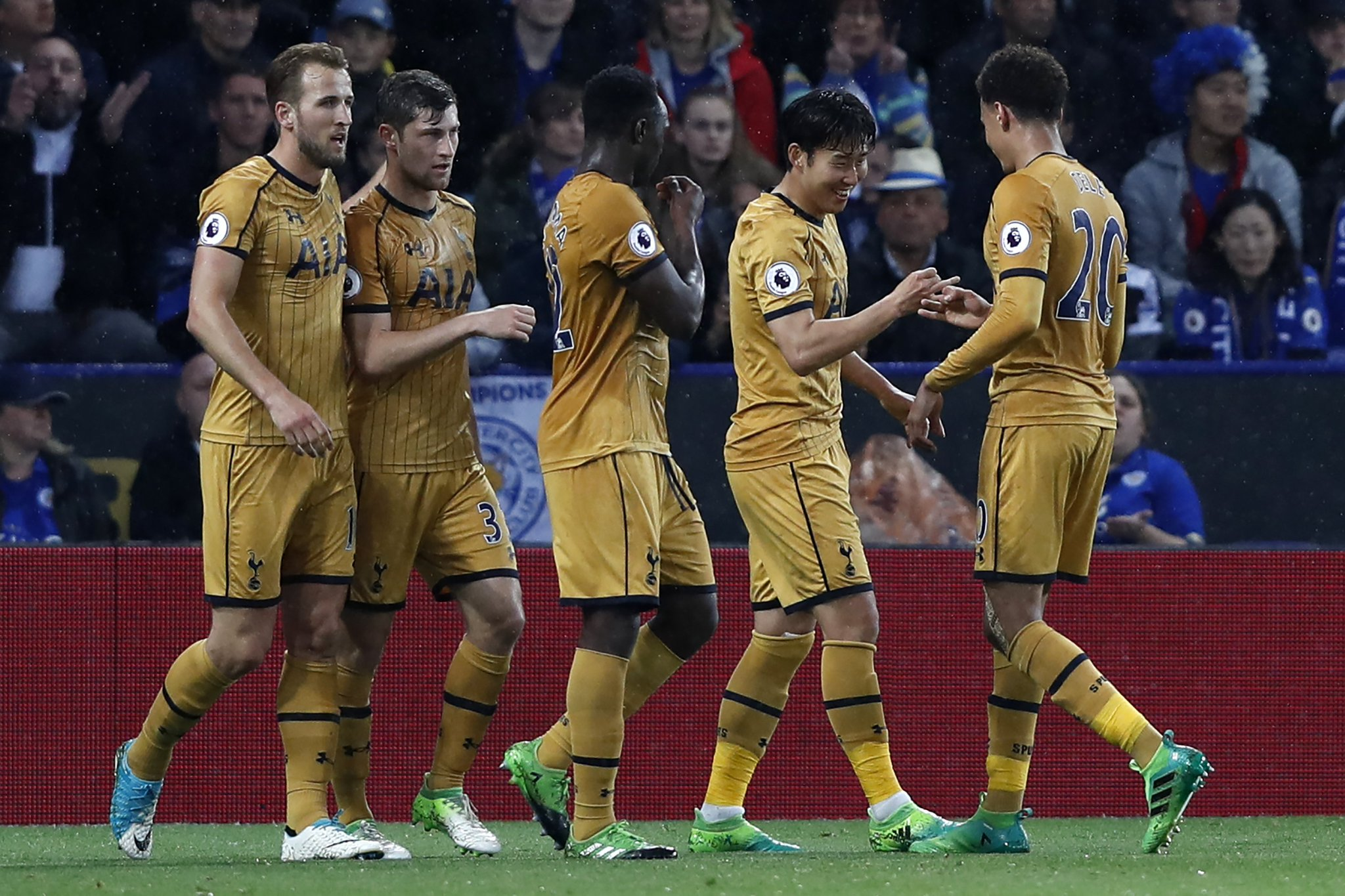 Leicester 1-6 Tottenham: Harry Kane nets four as Spurs thrash Foxes