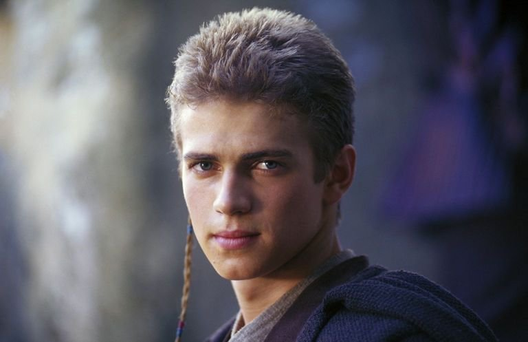 &quot;Ani…? My goodness, you&#39;ve grown.&quot; ―Padmé Amidala to Anakin Skywalker #StarWars #EpisodeII #AttackOfTheClones <br>http://pic.twitter.com/lmBrNb2M68