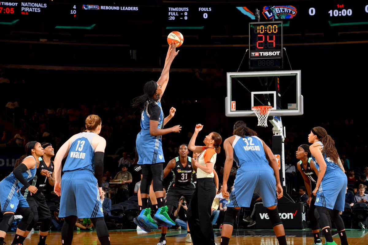 Had a great time at the @nyliberty/@minnesotalynx game tonight. Adam