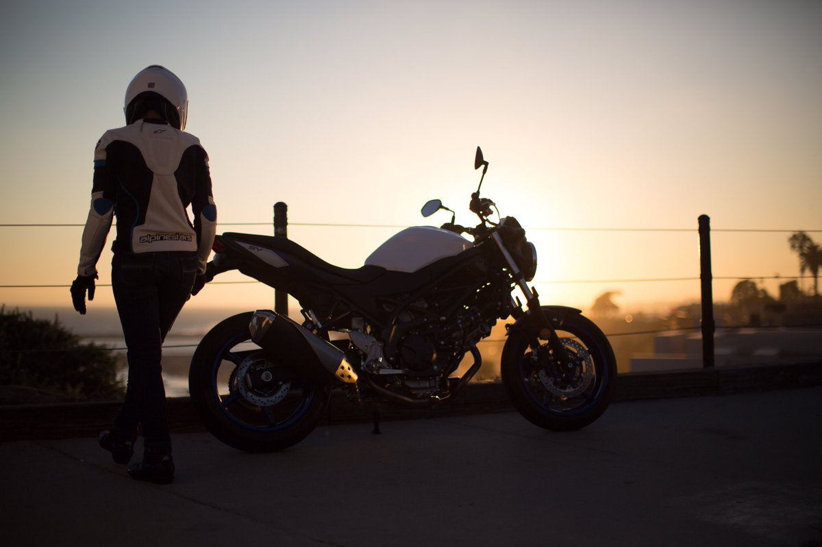 How to properly end your day #SunsetCruise #SV650